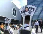 "Katarzyna Kozyra, ""The Midget Gallery buys artworks"", 2007, video, collection of the Arsenal Gallery, Bialystok, Poland"